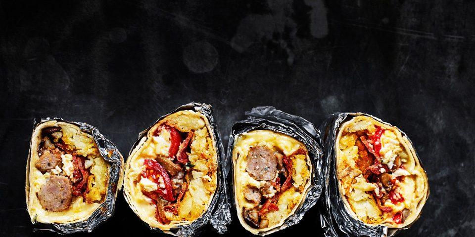 mic dejun-burritos