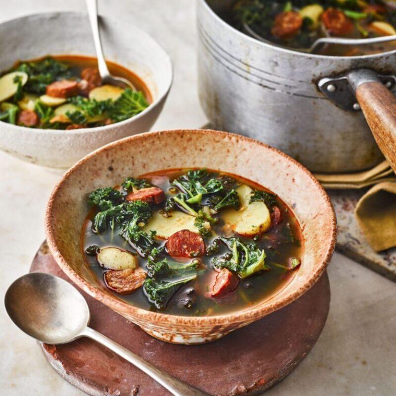 Rețetă Caldo Verde (supă de chorizo și cartofi)