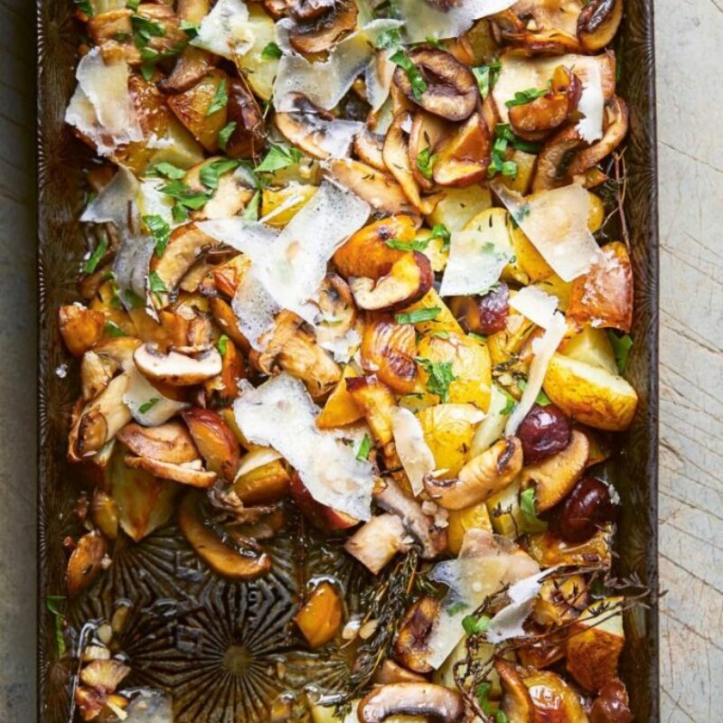 Cartofi la cuptor cu ciuperci, castane și sherry