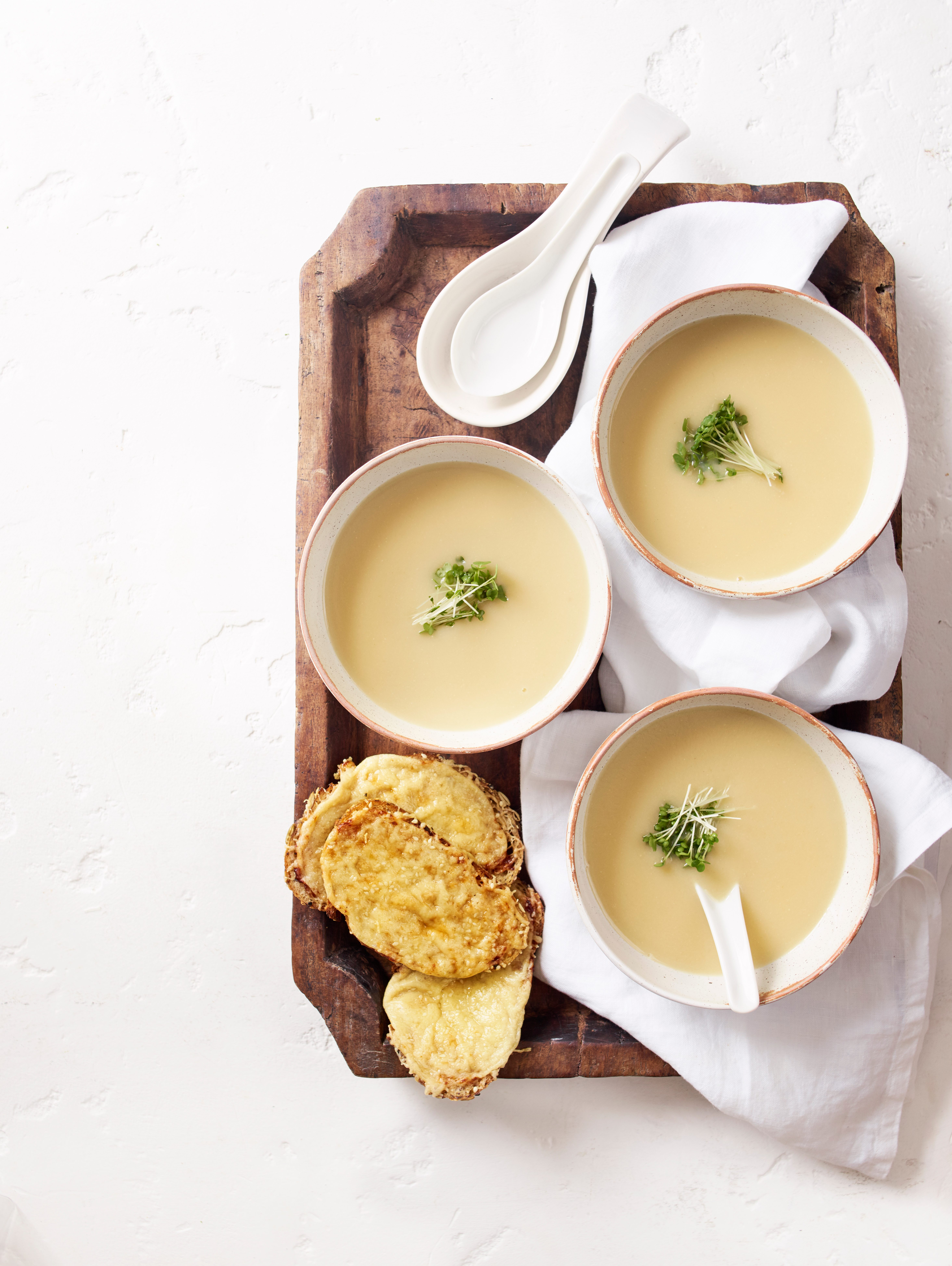 ceapă albă și supă miso