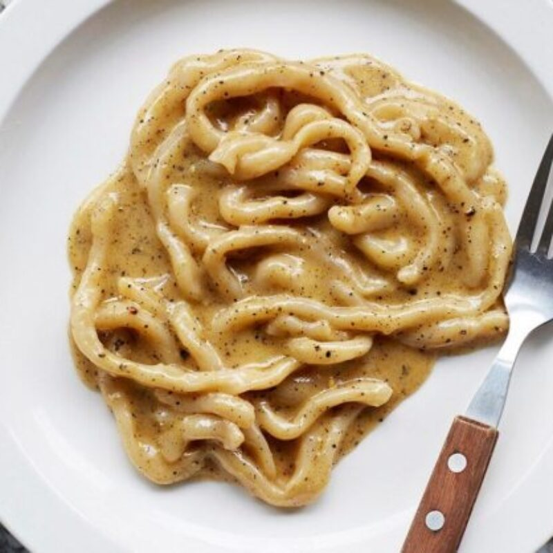 Padella Pasta Pici Cacio e Pepe Rețetă