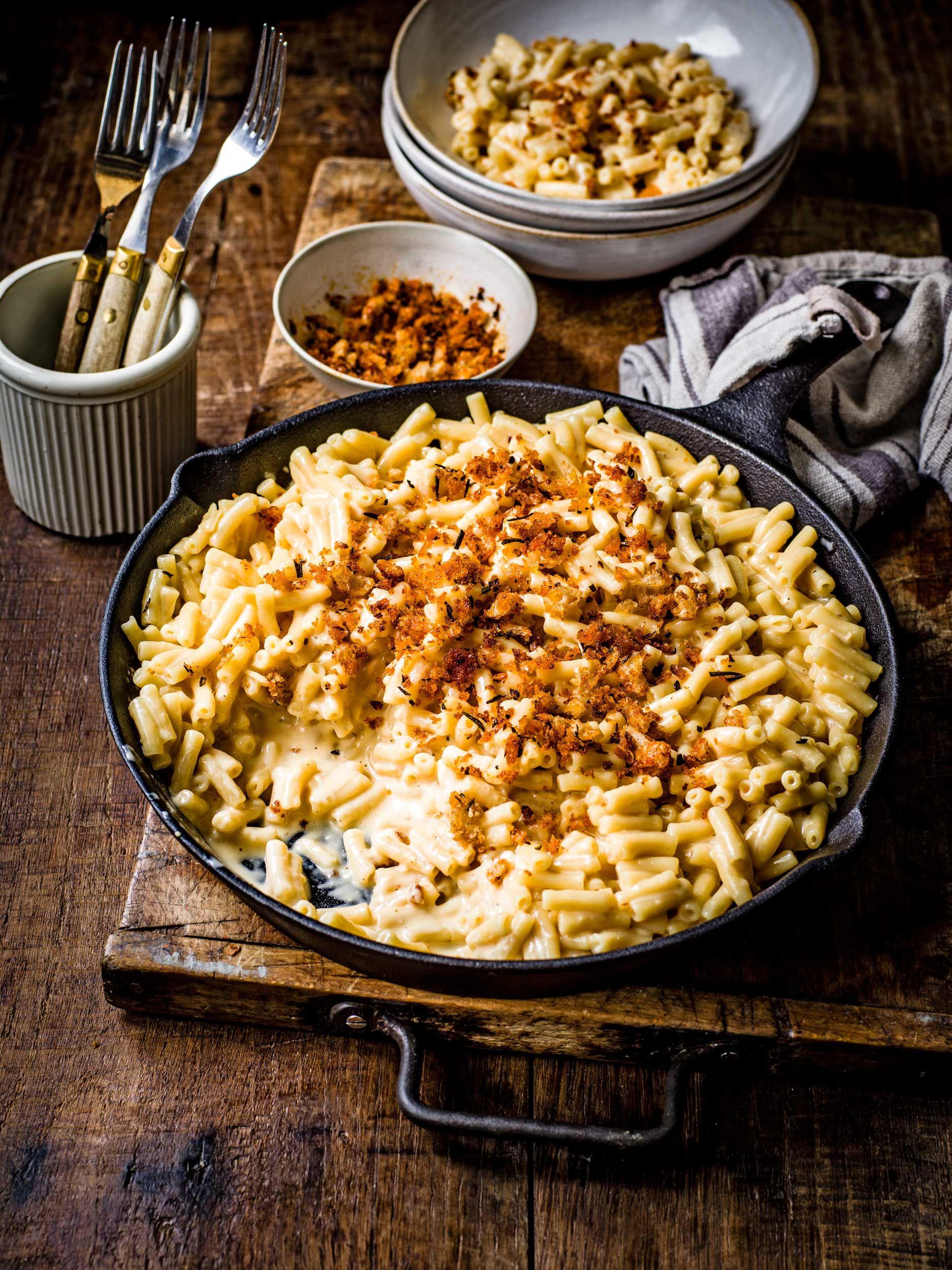 Rețetă Mac 'n' Cheese cu pesmet crocant