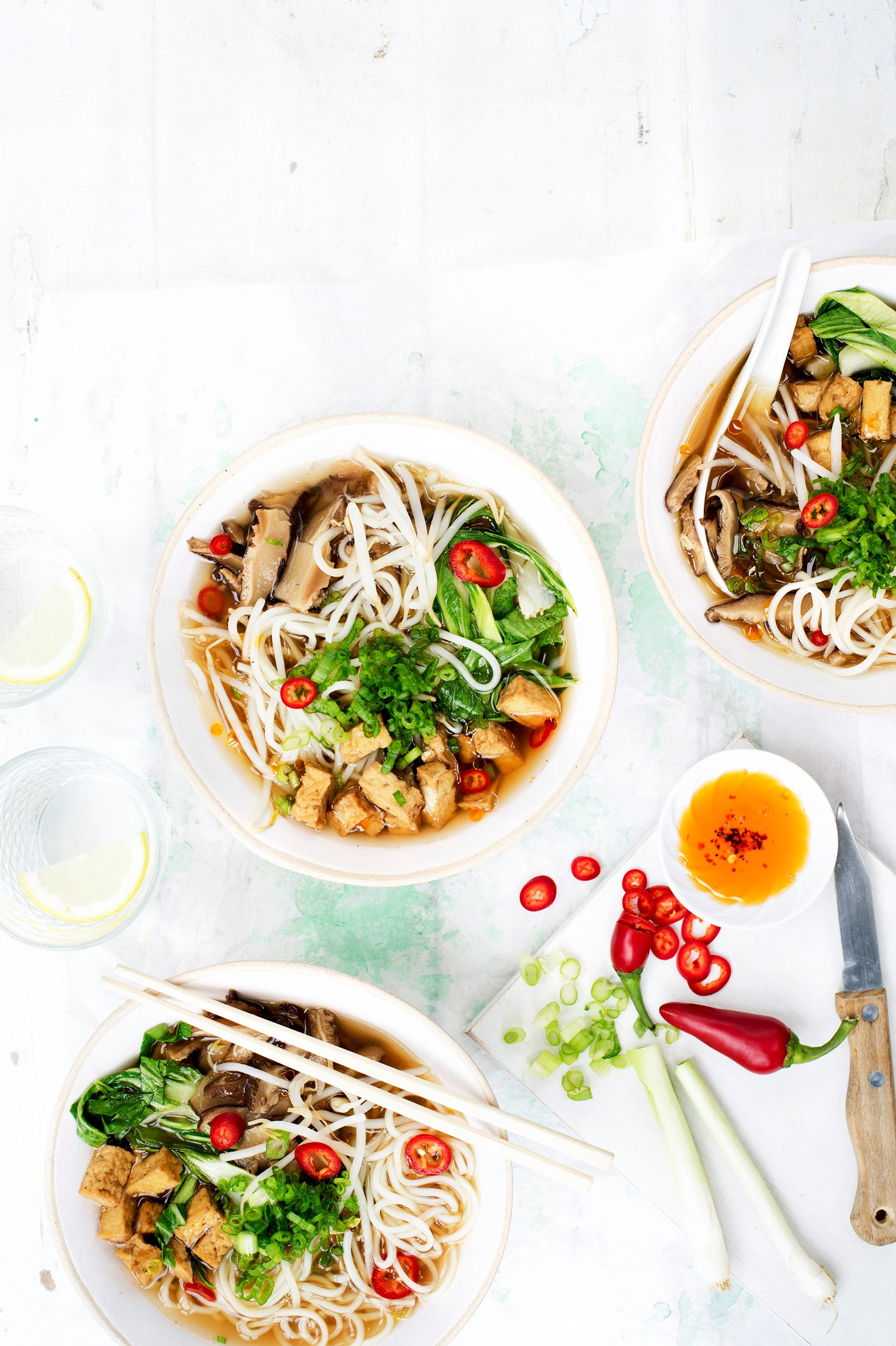 Rețetă Vegan Ramen cu Chilli și Tofu