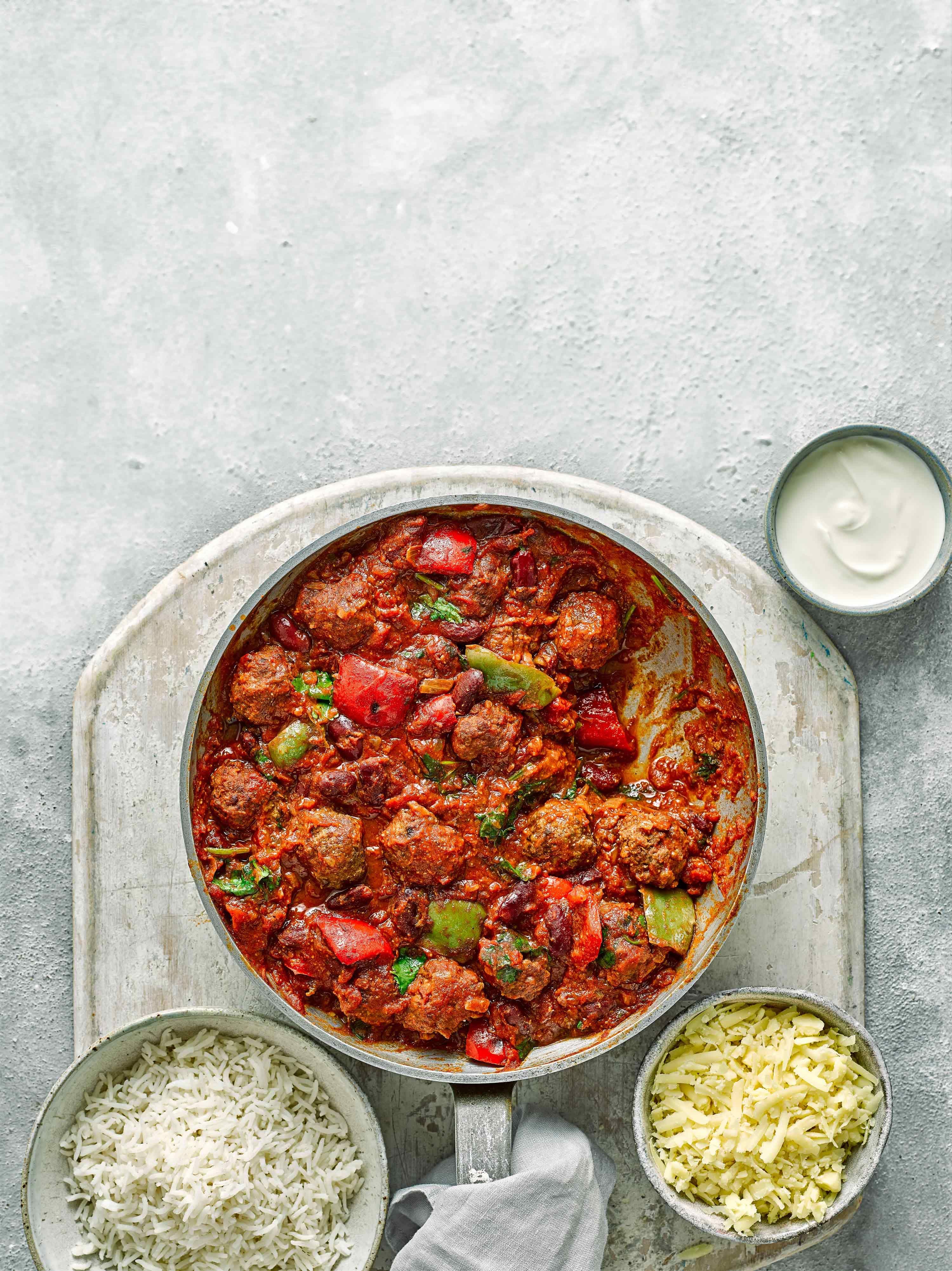 Rețetă Chilli Con Carne Cu Chiftele
