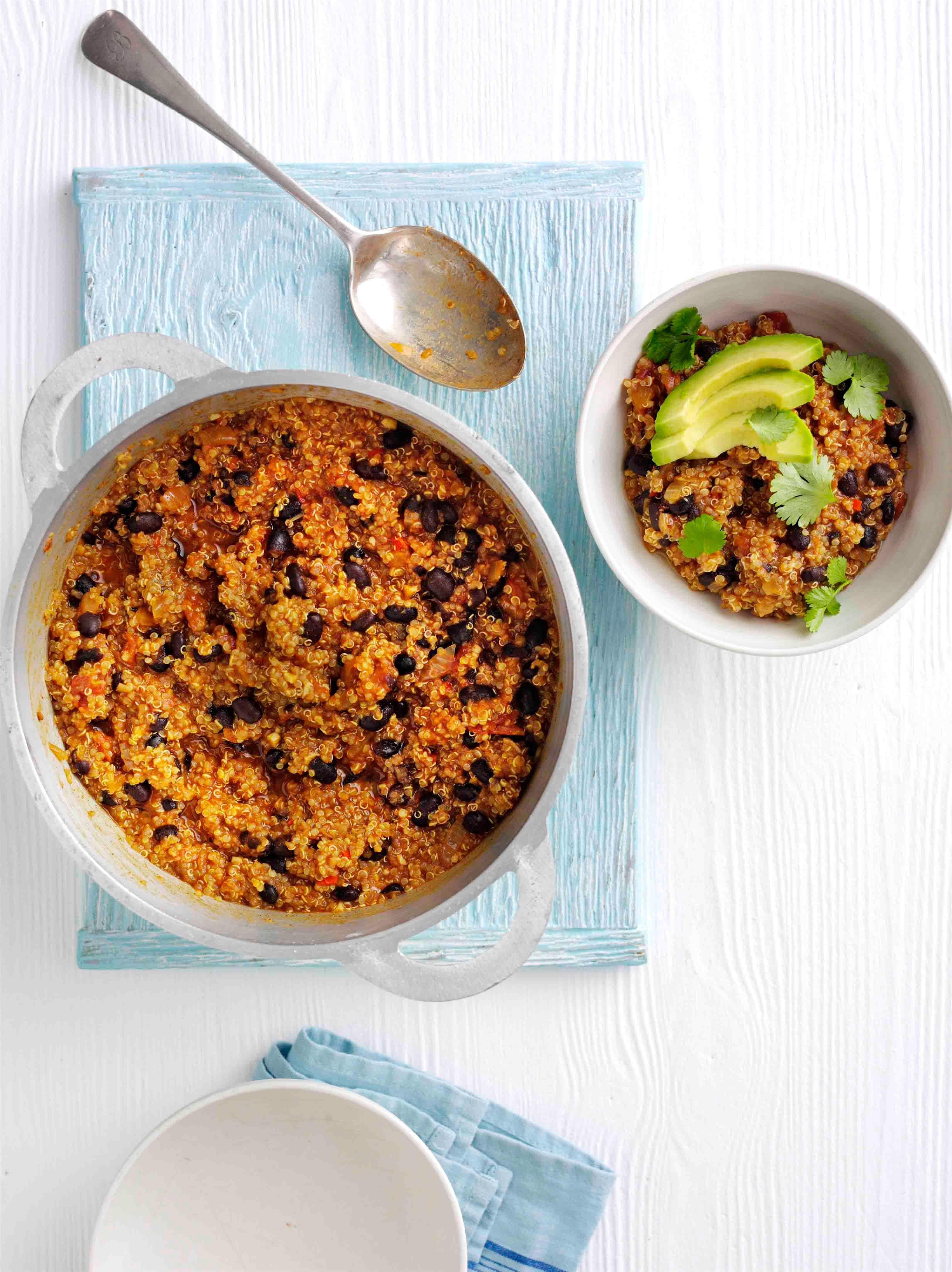Rețetă ușoară de ardei vegan cu quinoa