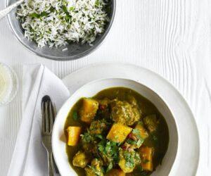Curry de pui și nuci cu chimen și orez de coriandru