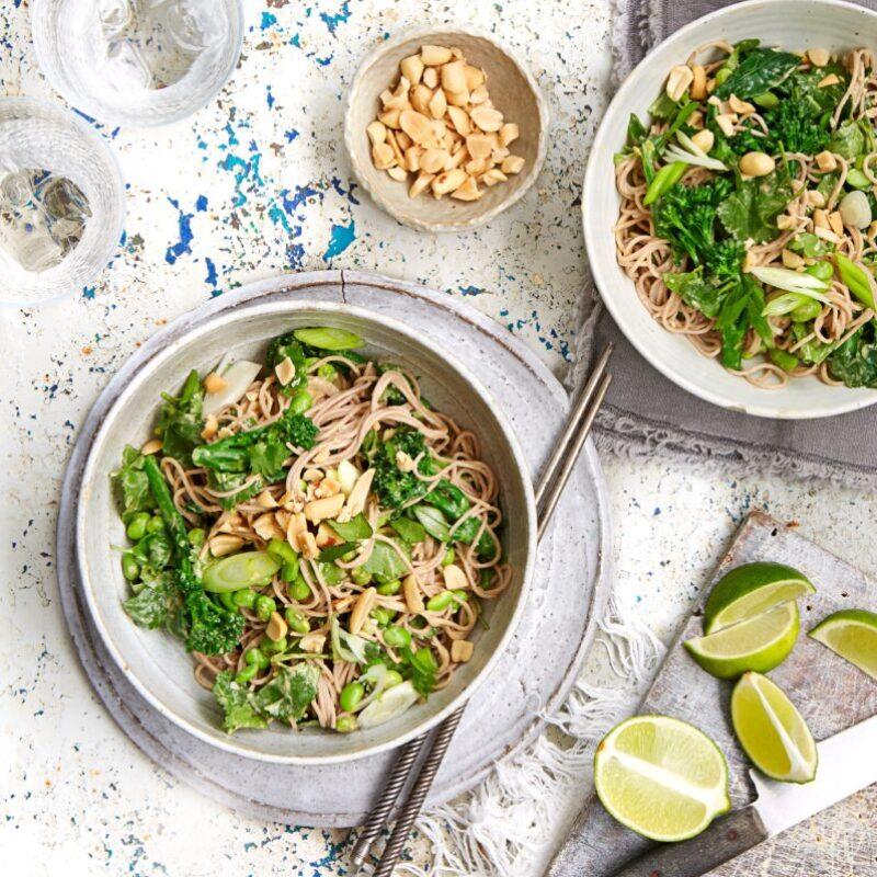 Rețetă de tăiței Soba cu broccoli și arahide