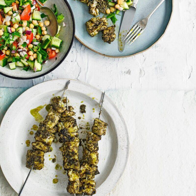 Frigarui de peste la gratar cu salata de naut