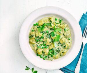 Gnocchi cu mazăre, spanac și rețetă Pesto