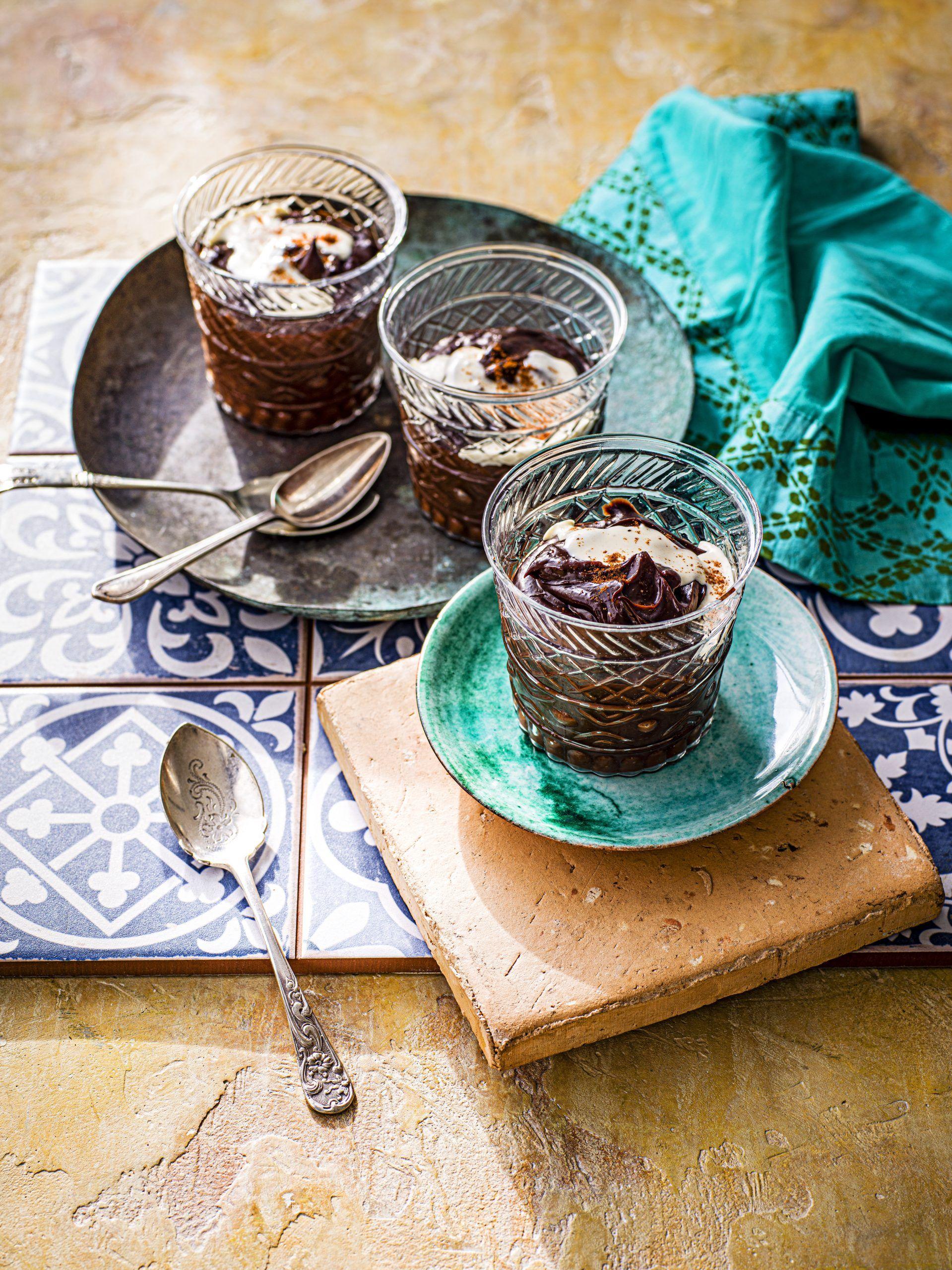 Ciocolată și ghivece de rețete de desert Tahini