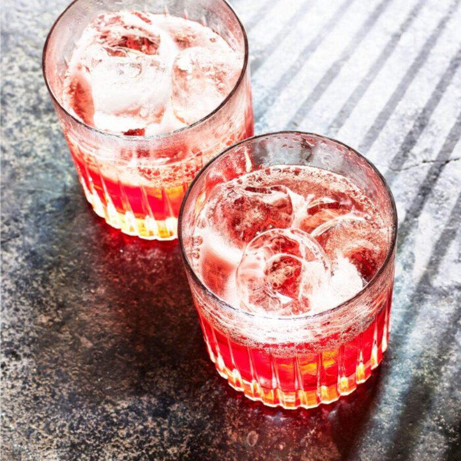 Rețetă de cocktail Negroni Sbagliato cu vin roz