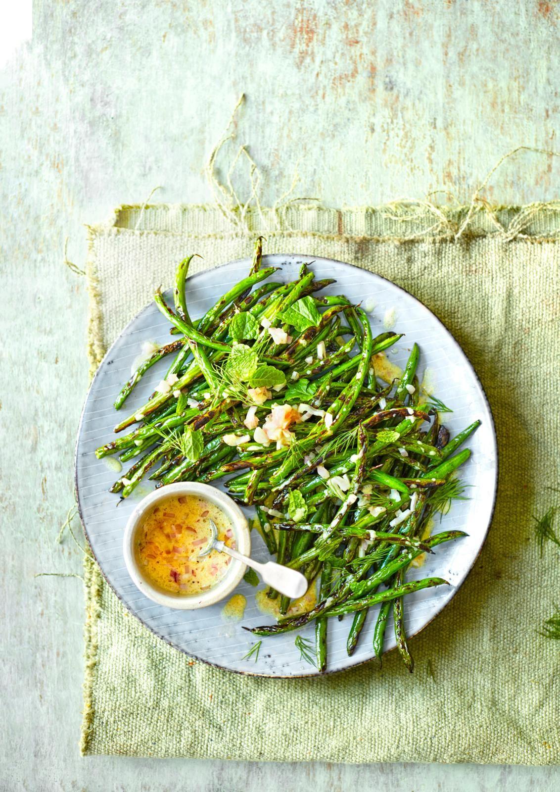 Salată de bob de fasole verde cu sos de muștar