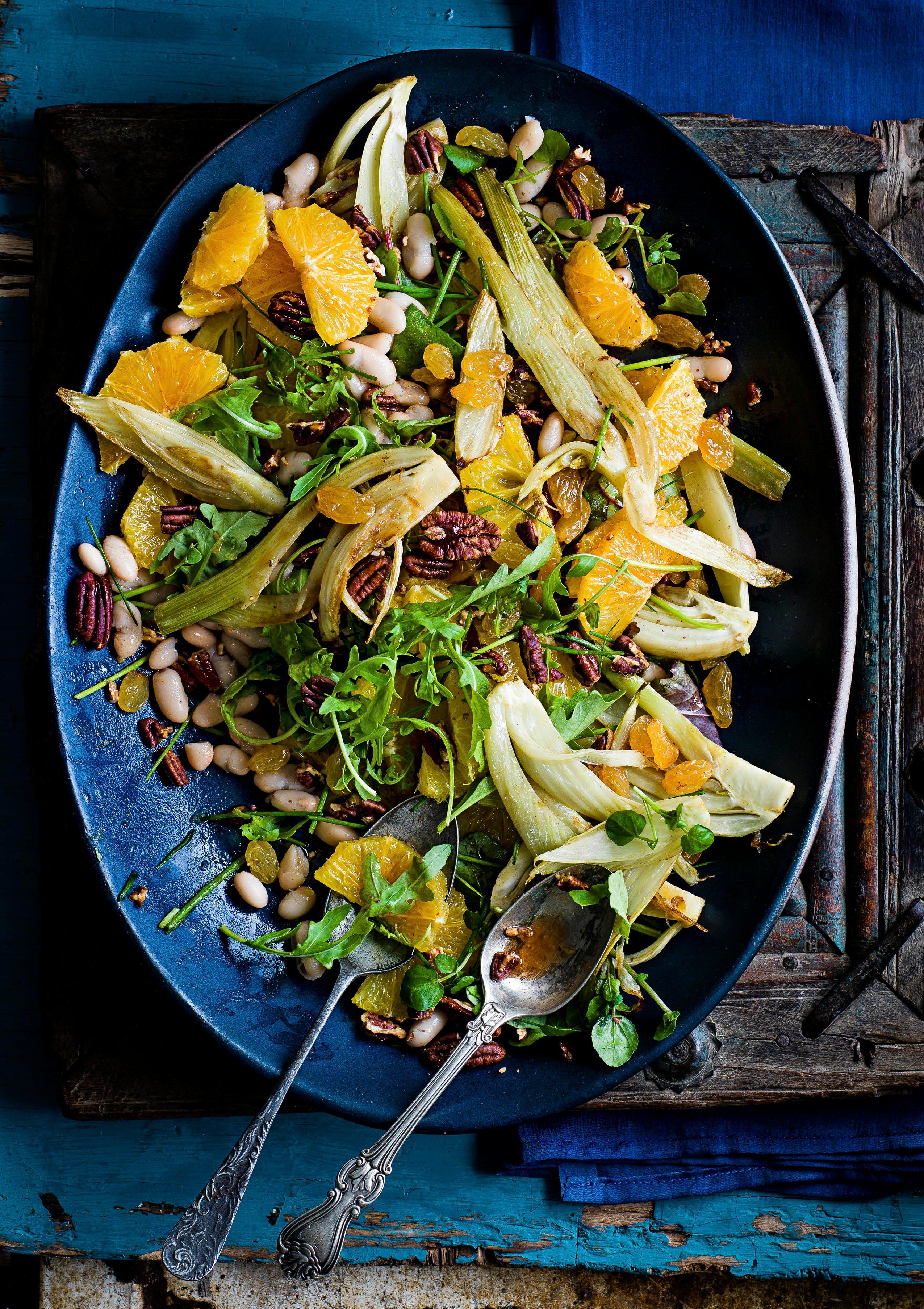 Rețetă de salată de fasole Cannellini cu portocale și stafide