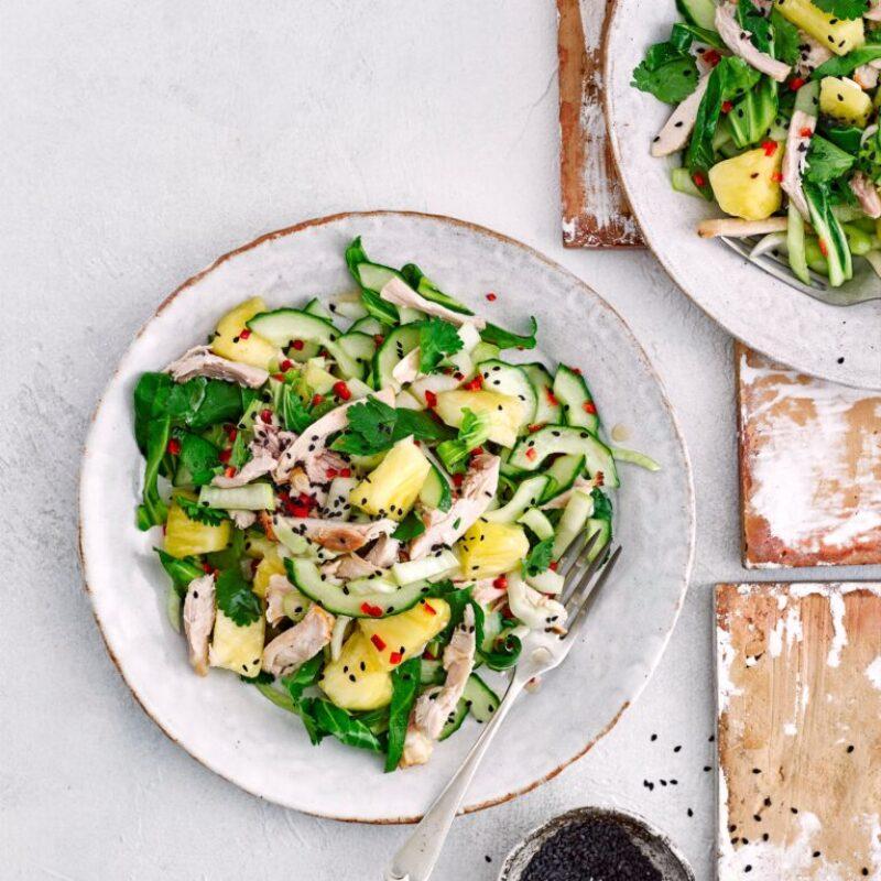 Rețetă de salată de pui dulce și acru cu ananas
