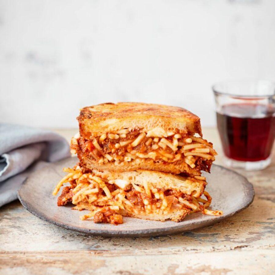 Reteta Sandwich Spaghetti cu sos Bolognese