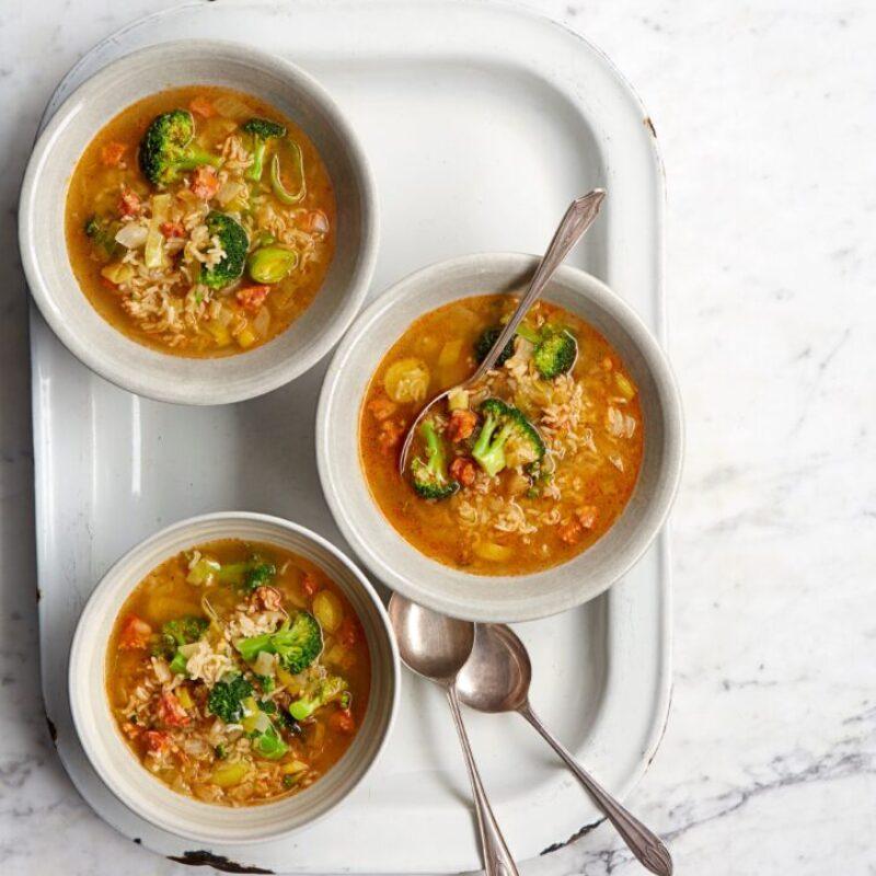 Supă de broccoli cu chorizo