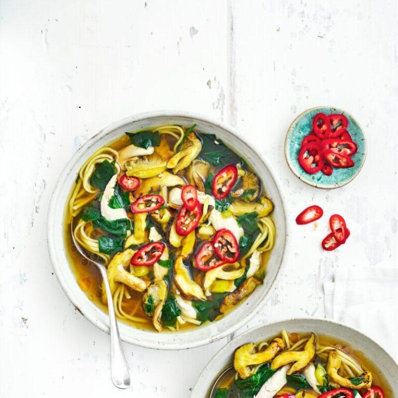 Rețetă de supă de tăiței de pui și ciuperci