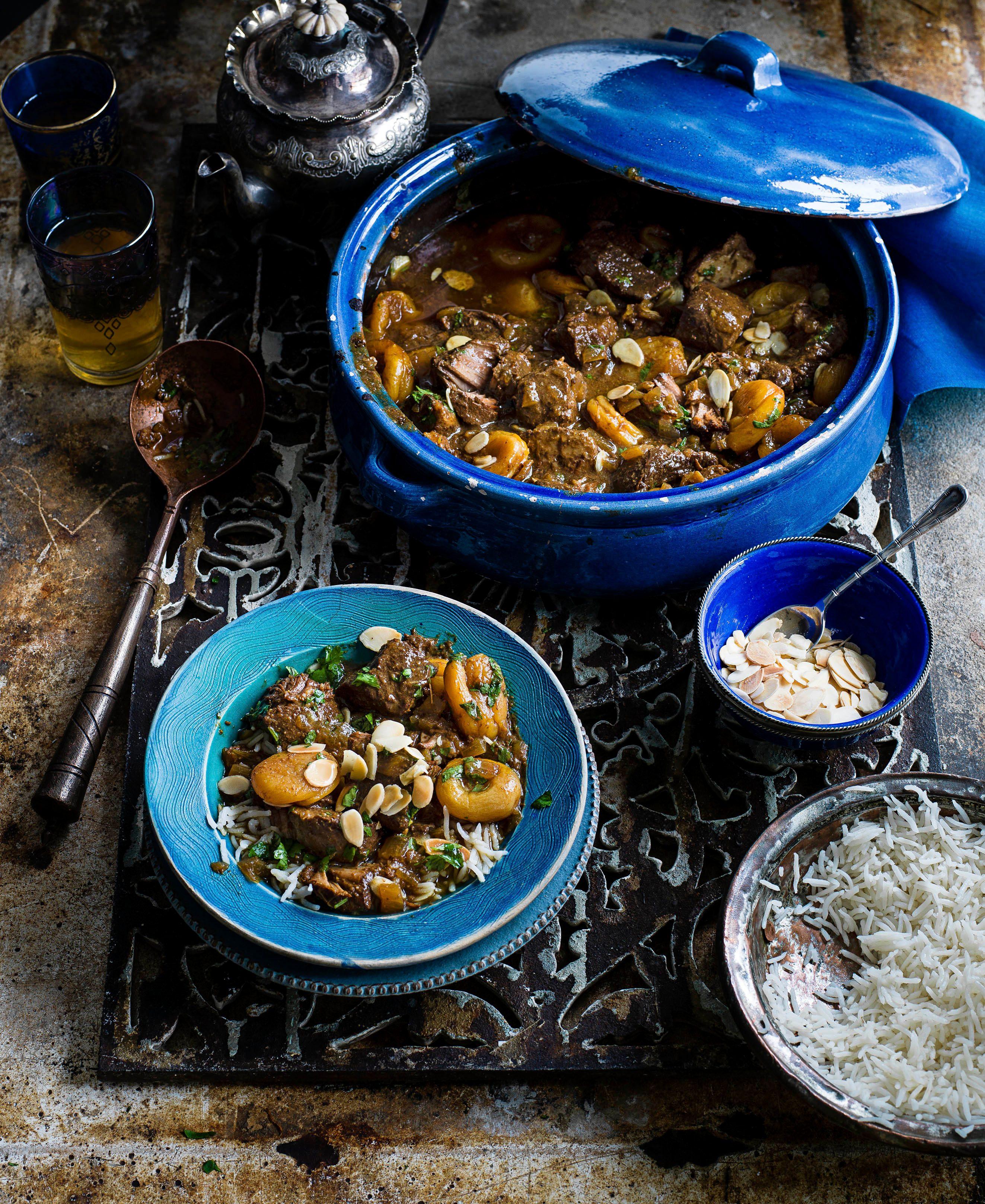 Carne de porc, caise și tamarind fierte lent