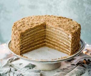 Rețetă de prăjitură cu miere rusească