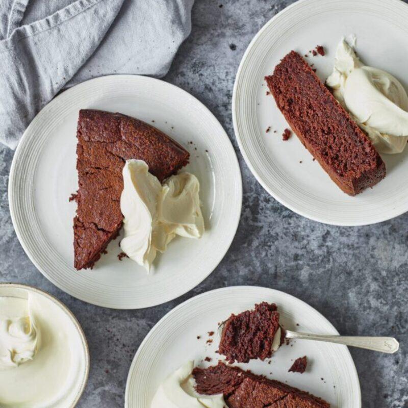 Tort de ciocolată neagră și sfeclă roșie